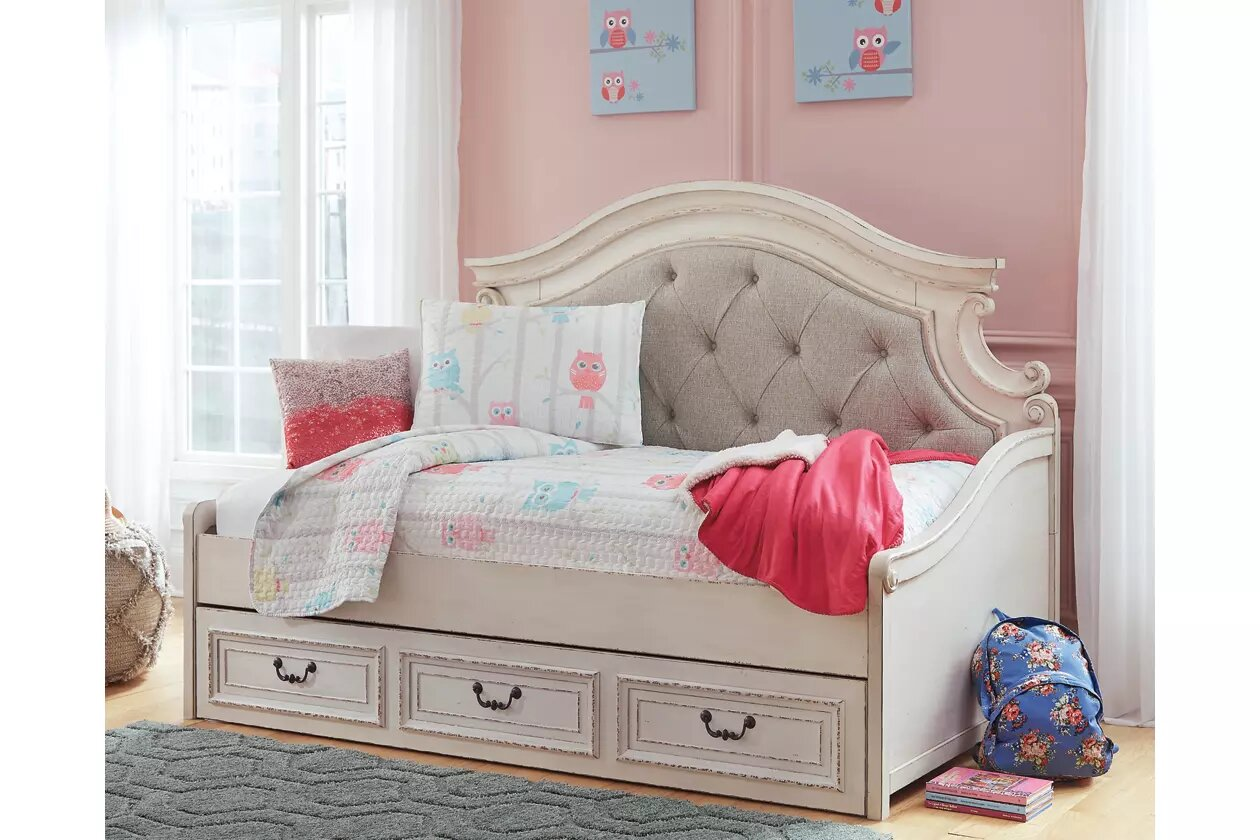 Ashley Furniture Realyn Twin Day Bed with 1 Large Storage ...